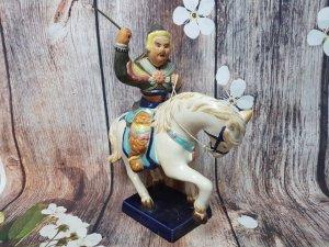 """Gốm Biên Hòa hiếm :""""Quang Trung cưỡi ngựa""""Lành tít. Kích thước:cao 33cm*ngang 32cm*rộng 12cm."""