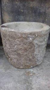 Cối đá xưa lâu đời chiều cao 40. đường kính miệng 55 cm