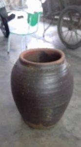 Chum sành cũ lành đẹp chiều cao 40 cm đk bụng 35 cm, giá 250k