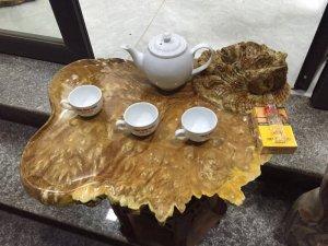 Khay trà nu nghiến đục cá chép