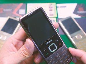 Nokia 6700 thay vỏ