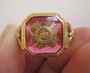 Nhẫn vàng 10K cựu binh rất xưa, đính huy hiệu,3 con đại bàng cực đẹp