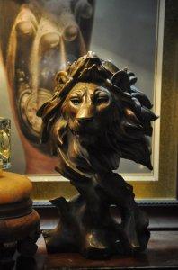 Sư tử để bàn