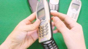 Nokia-6310i-chinh-hang-suu-tam-cua-hang-nokia-ket-hop-voi-Mercedes-Benz (3).jpg