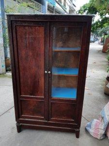 tủ trưng bày gỗ gõ