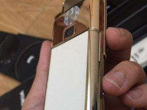 Nokia-8800-Gold-Arte-chiec-dien-thoai-duoc-doanh-nhan-ua-chuon (13).jpg