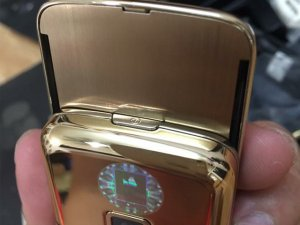 Nokia-8800-Gold-Arte-chiec-dien-thoai-duoc-doanh-nhan-ua-chuon (18).jpg