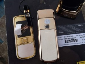 Nokia-8800-Gold-Arte-chiec-dien-thoai-duoc-doanh-nhan-ua-chuon (21).jpg