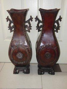 cặp binh hoa kim loại máu gỗ