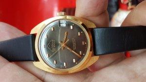 Đồng hồ Mondaine 3 kim 1 lịch vỏ lacke đơmi chính hãng