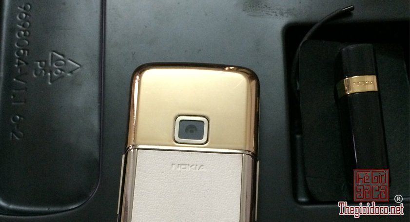 Nokia-8800-Gold-Arte-chiec-dien-thoai-duoc-doanh-nhan-ua-chuon (3).jpg