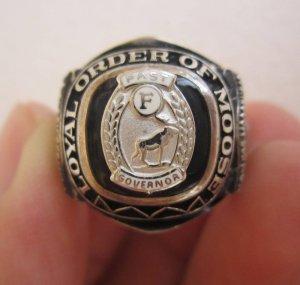 Nhẫn bạc Loyal Order of Moose lấp lánh với viên đen Black Onys đính huy hiệu tuần lộc vàng trắng