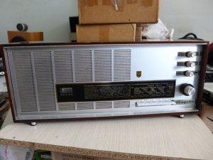 HCM - Q10 - Bán radio Philips Sagitta.