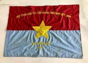 Em giao lưu, cờ Giải phóng Huế...