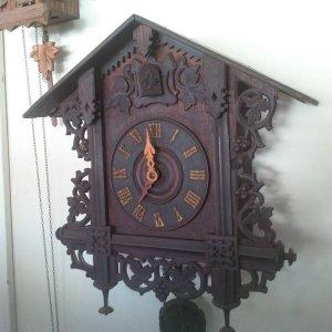 Đồng hồ treo tường kiểu cuckoo...