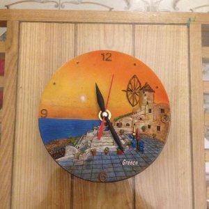 Đồng hồ treo tường Hy Lạp, thân composit