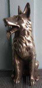 Chó làm bằng đồng mạ bạc quý hiếm