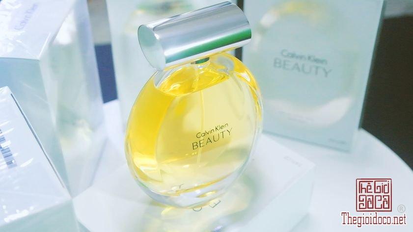 Nuoc-Hoa-Calvin-Klein-Beauty (6).jpg