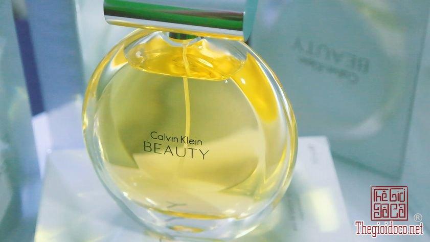 Nuoc-Hoa-Calvin-Klein-Beauty (14).jpg