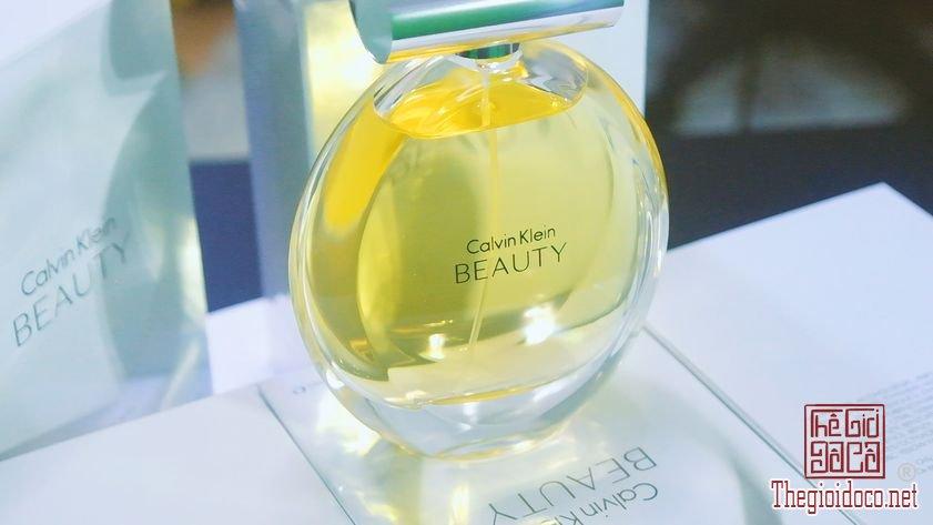 Nuoc-Hoa-Calvin-Klein-Beauty (25).jpg