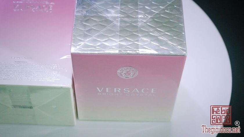 Nuoc-hoa-nu-Versace-Bright-Crystal 90ml (3).jpg