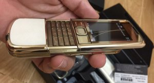 Nokia-8800-Gold-Arte (5).jpg