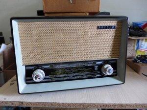 HCM - Q10 - Bán radio đèn...