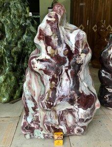Cây đá có dáng hình người
