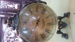 Đồng hồ quả châu đế 3 chân