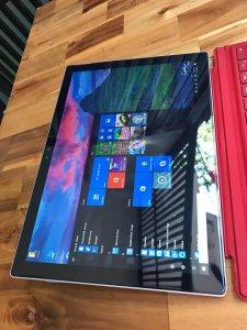 ==> Surface PRO 4, core i5, 8G , 256G, zin100%.