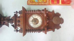 Đồng hồ treo tuong