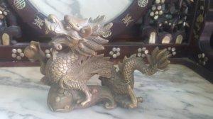 Rồng cầm châu bay lượm