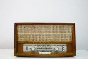 Đài FM Telefunken cổ Châu Âu (LH: Ms.Hằng 0979 837 869)