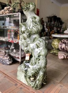 Cây đá có dáng rất đẹp, cao 1m18