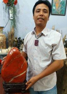 Ngọc bích đỏ quý hiếm khổng lồ