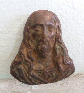 Tượng Chúa Jesus cao sang làm...