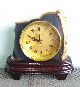 Đồng hồ để bàn bằng đá quý  quý...
