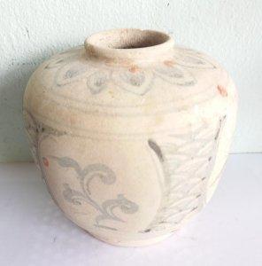 Bình gốm chu đậu cổ xưa quý hiếm