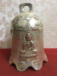 Giao lưu với các Bác chiếc chuông tam thế Phật rất đẹp và độc đáo...Âm thanh nghe rất chuẩn và vang.