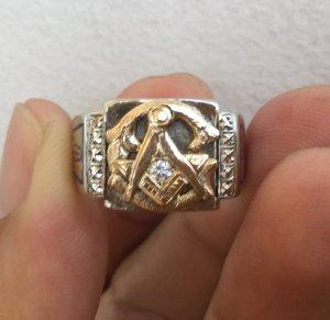 Nhẫn mỹ 10K Masonic, hoa văn rất đẹp, hai màu vàng trắng và vàng hồn