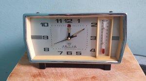Giao lưu đồng hồ để bàn TQ xưa giá 350k