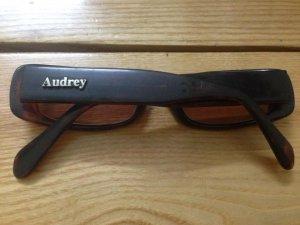 Kính mát nữ Audrey gọng nhựa dùng tốt, giá 125k