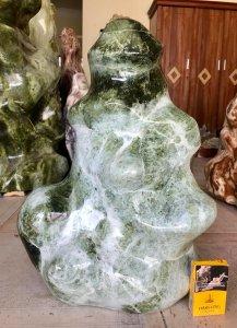 Cây đá xanh ngọc, nặng 48kg,...