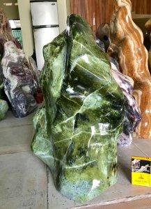 Cây đá xanh ngọc, nặng 47kg,...