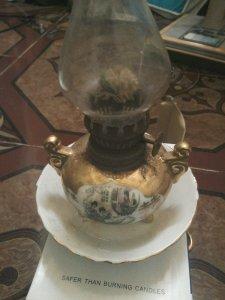 Đèn dầu thân bằng gốm sứ