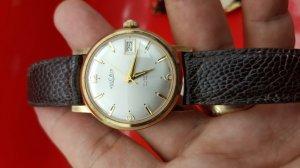 Đồng hồ Vulcain vỏ đơmi xưa...