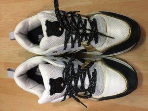 Giày Sneaker EXR size 41 Korea