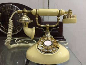Điện thoại quay số cổ 1970