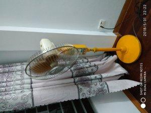 quạt hoa sen đã sử dụng trên 30 năm , cánh  nhôm KT 40