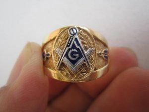 #Nhẫnmỹ10K Masonic phome rât đôc và đẹp. Size 20.5mm.